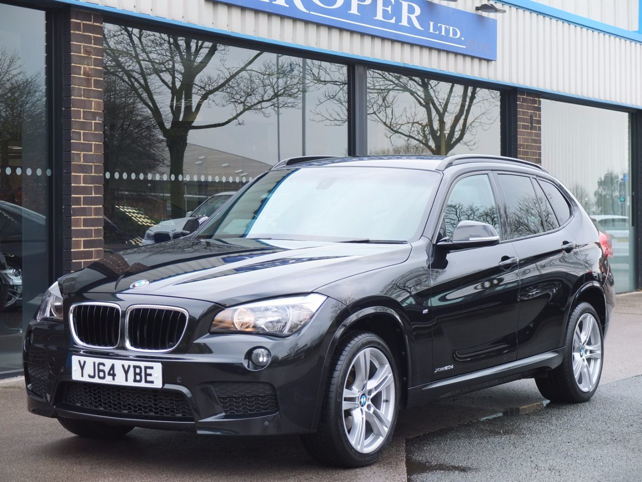 BMW X1 2.0 xDrive 20d M Sport Auto Estate Diesel Black Sapphire MetallicBMW X1 2.0 xDrive 20d M Sport Auto Estate Diesel Black Sapphire Metallic at fa Roper Ltd Bradford