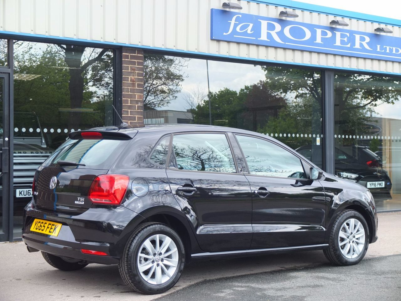 Volkswagen Polo 1.2 TSI Bluemotion Tech SE 5 door Hatchback Petrol Deep Black Metallic