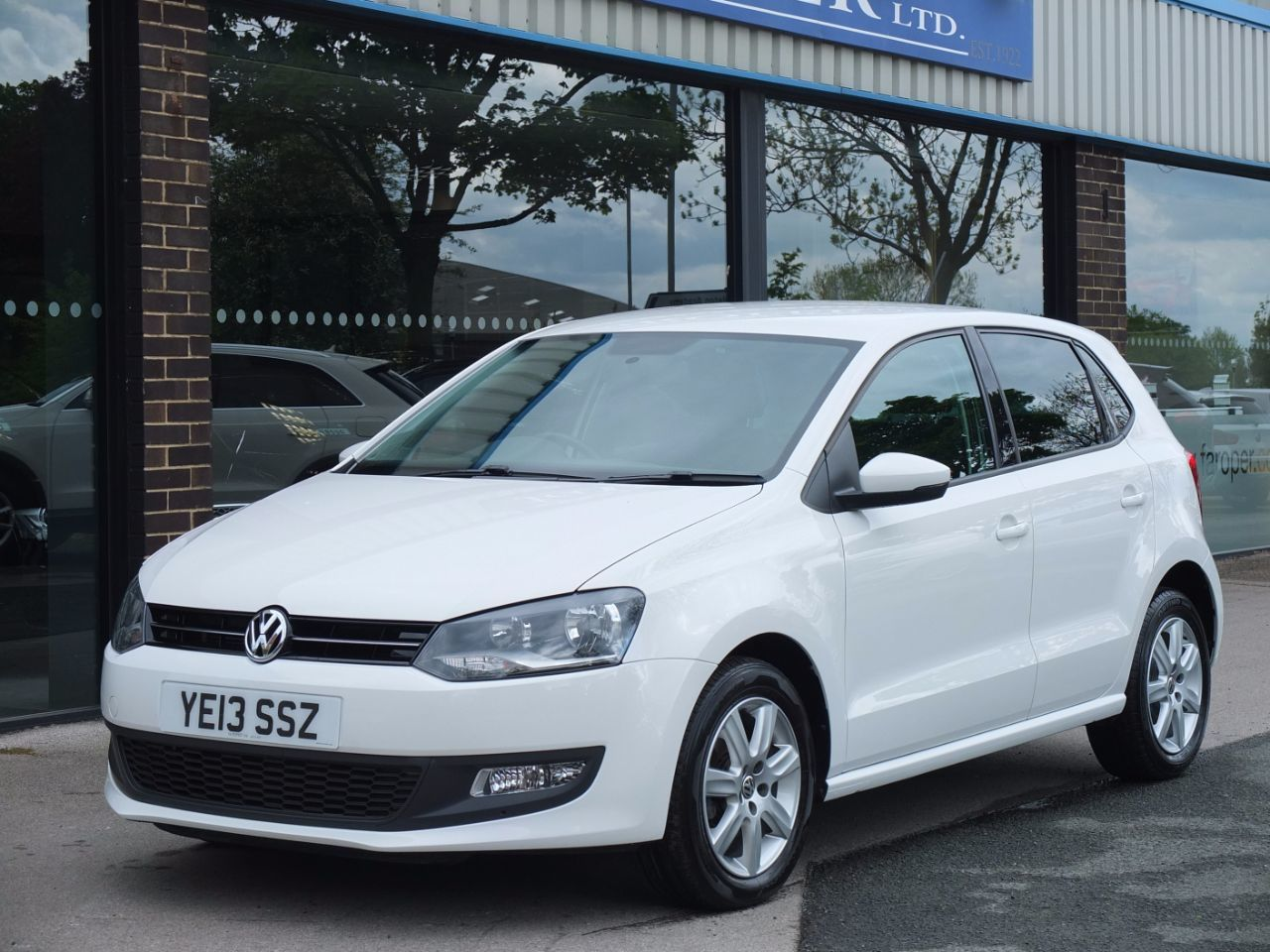 Volkswagen Polo 1.2 TDI Match Edition 5 door Hatchback Diesel Candy WhiteVolkswagen Polo 1.2 TDI Match Edition 5 door Hatchback Diesel Candy White at fa Roper Ltd Bradford
