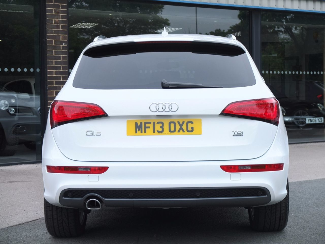Audi Q5 2.0 TDI quattro S Line Plus S Tronic 177ps Estate Diesel Ibis White