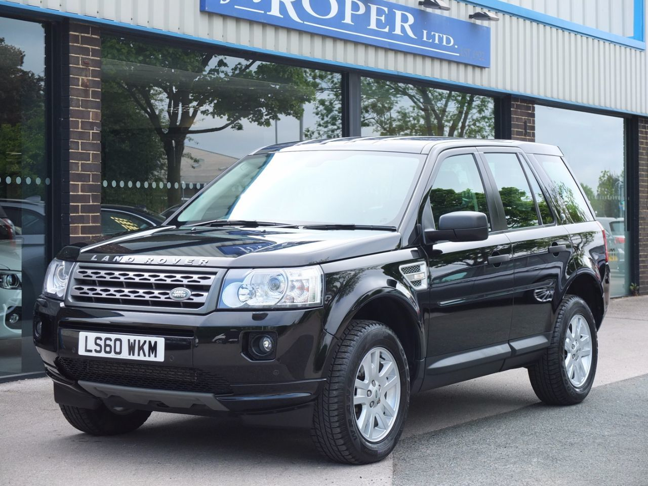 Land Rover Freelander 2.2 TD4 XS Estate Diesel Santorini Black Metallic