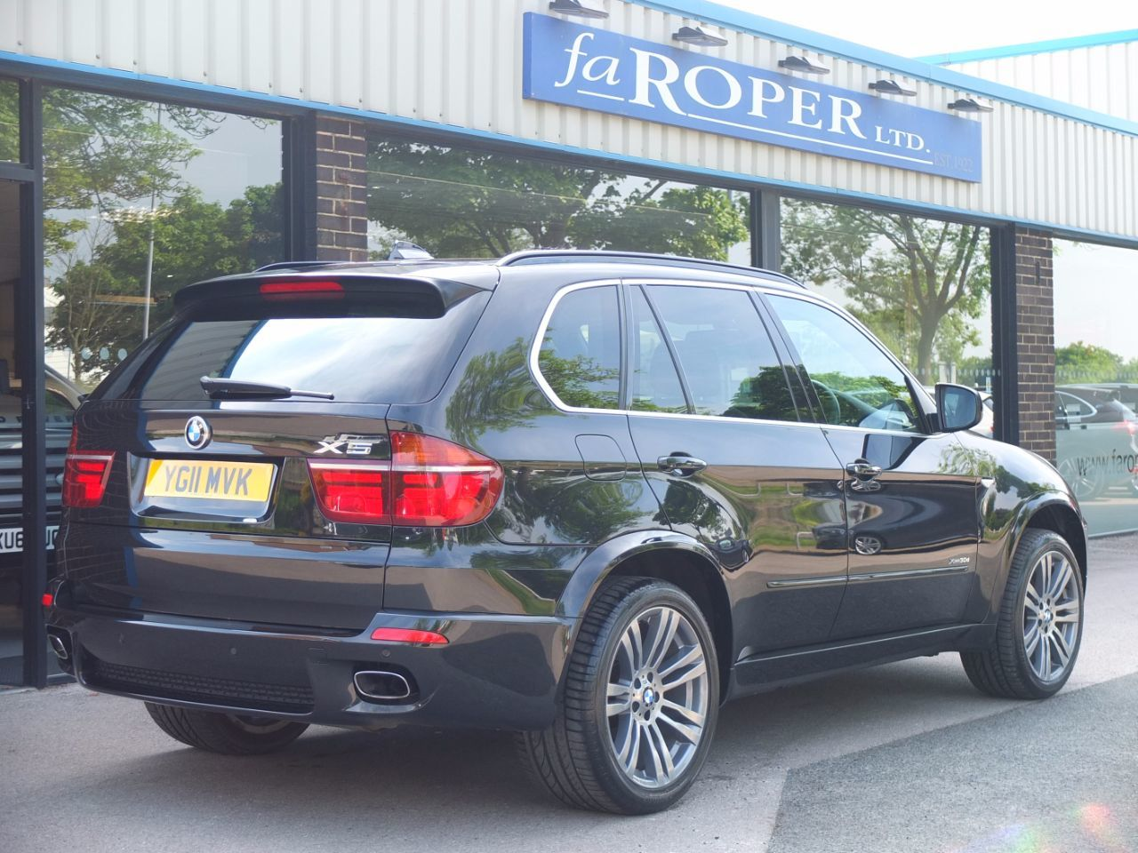BMW X5 3.0 xDrive30d M Sport Auto Estate Diesel Black Sapphire Metallic