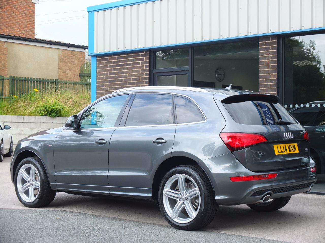 used audi q5 3 0 tdi quattro s line plus s tronic 245ps for sale in bradford west yorkshire. Black Bedroom Furniture Sets. Home Design Ideas