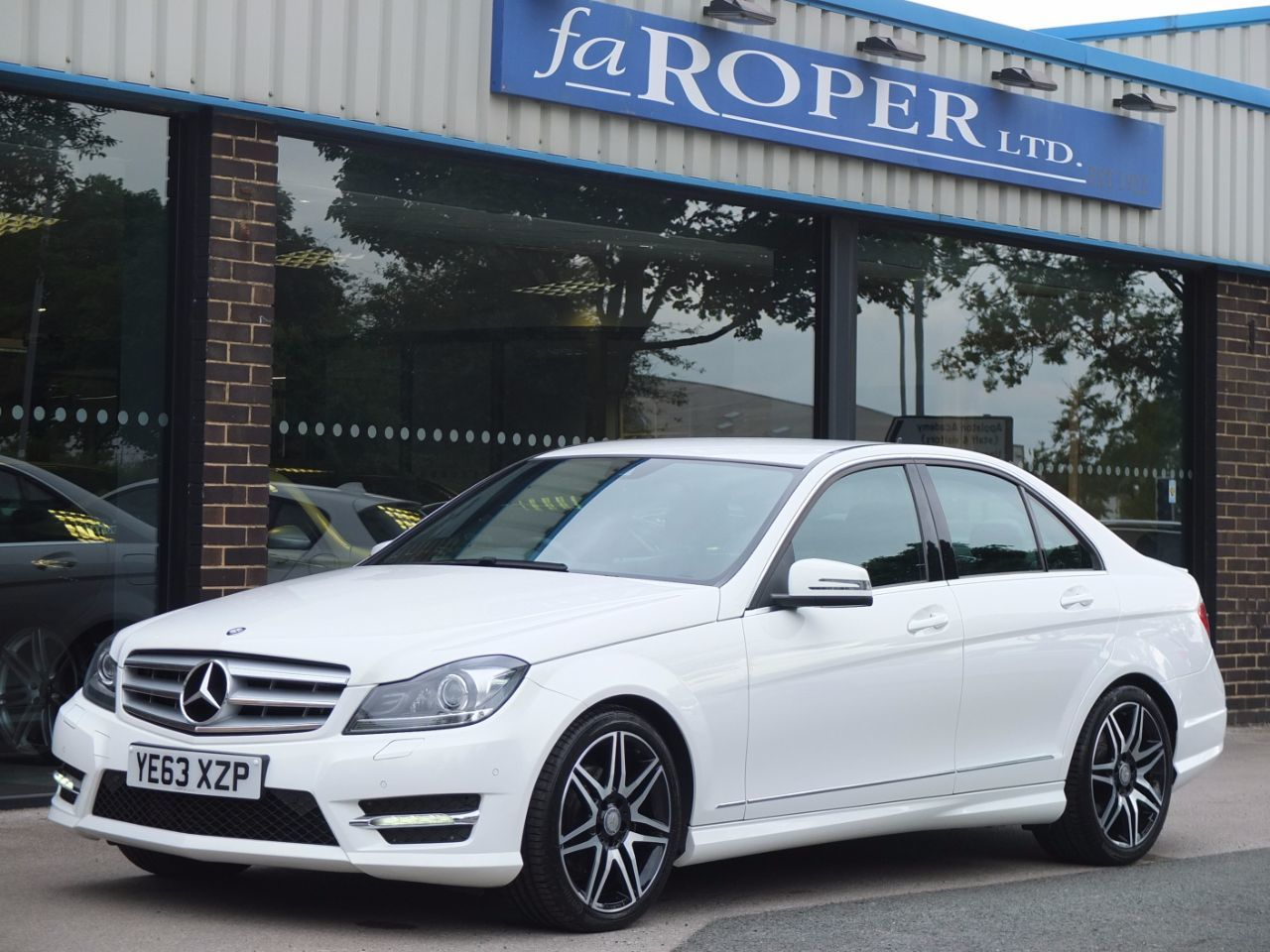 Mercedes-Benz C Class 2.1 C220 CDI BlueEFFICIENCY AMG Sport Plus 4dr Auto Saloon Diesel Polar WhiteMercedes-Benz C Class 2.1 C220 CDI BlueEFFICIENCY AMG Sport Plus 4dr Auto Saloon Diesel Polar White at fa Roper Ltd Bradford