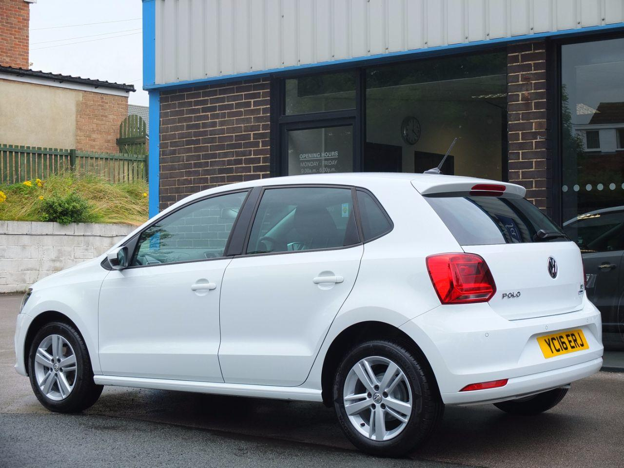 Volkswagen Polo 1.4 TDI 75ps Bluemotion Tech Match 5 door (Satellite Navigation) Hatchback Diesel Pure White