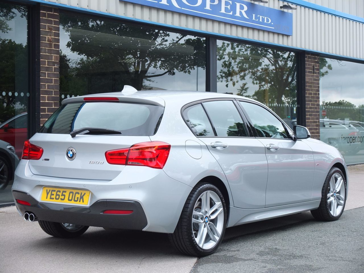 used bmw 1 series 120d xdrive m sport 5 door auto for sale. Black Bedroom Furniture Sets. Home Design Ideas