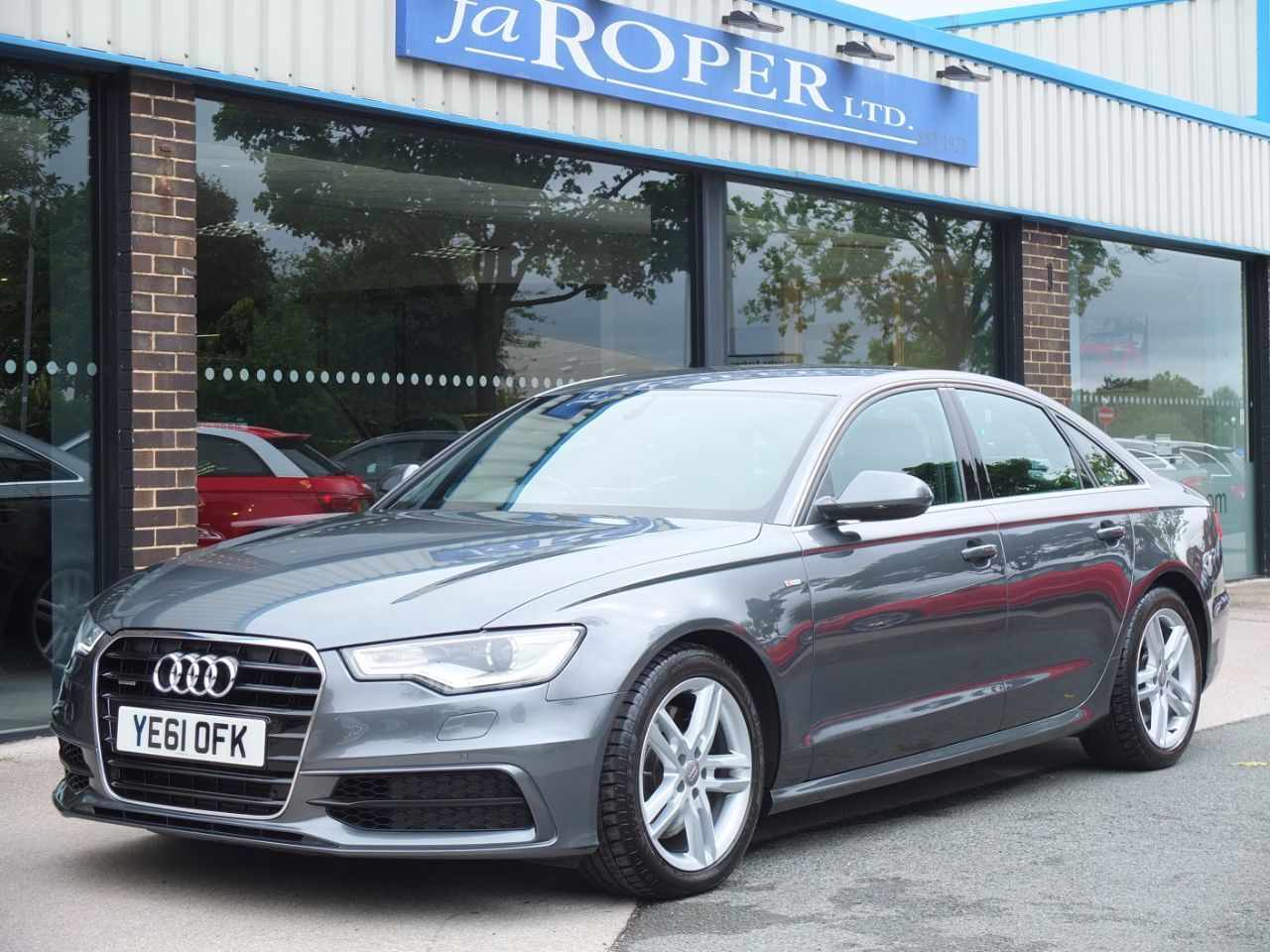 Audi A6 3.0 TDI quattro S Line S Tronic 245ps Tech Pack Saloon Diesel Daytona Grey MetallicAudi A6 3.0 TDI quattro S Line S Tronic 245ps Tech Pack Saloon Diesel Daytona Grey Metallic at fa Roper Ltd Bradford