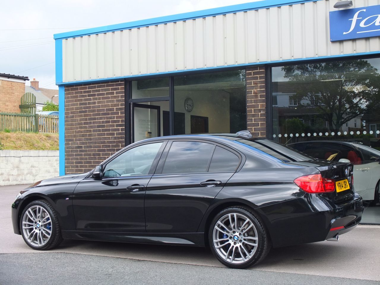 used bmw 3 series 320d xdrive m sport media pack m sport. Black Bedroom Furniture Sets. Home Design Ideas