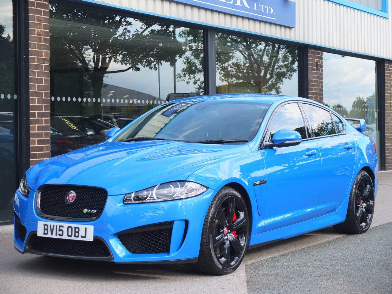 Used Jaguar Xf 5 0 V8 Supercharged Xfr S Auto 550ps For