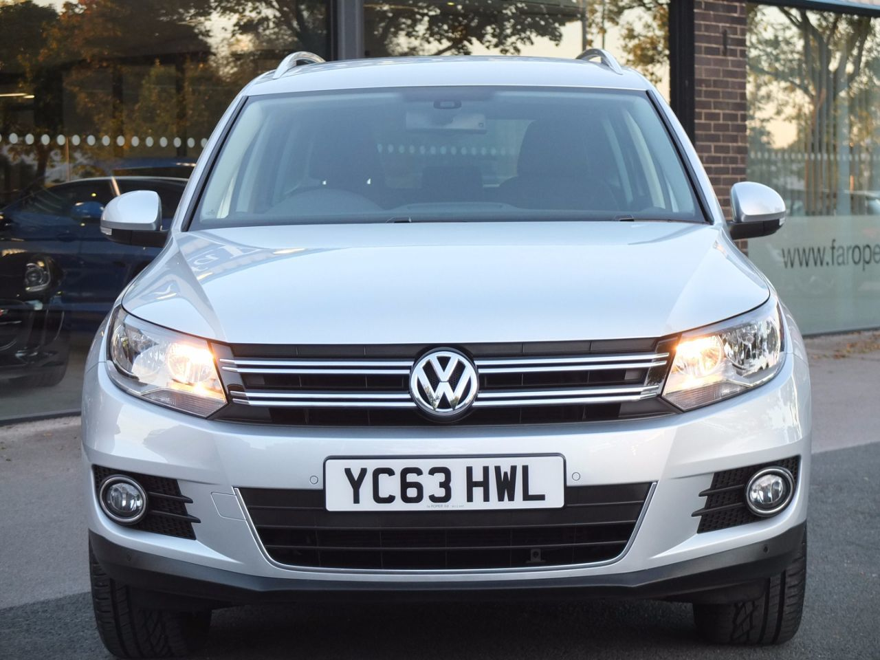Volkswagen Tiguan 2.0 TDi BlueMotion Tech 4MOTION Match DSG Estate Diesel Reflex Silver Metallic