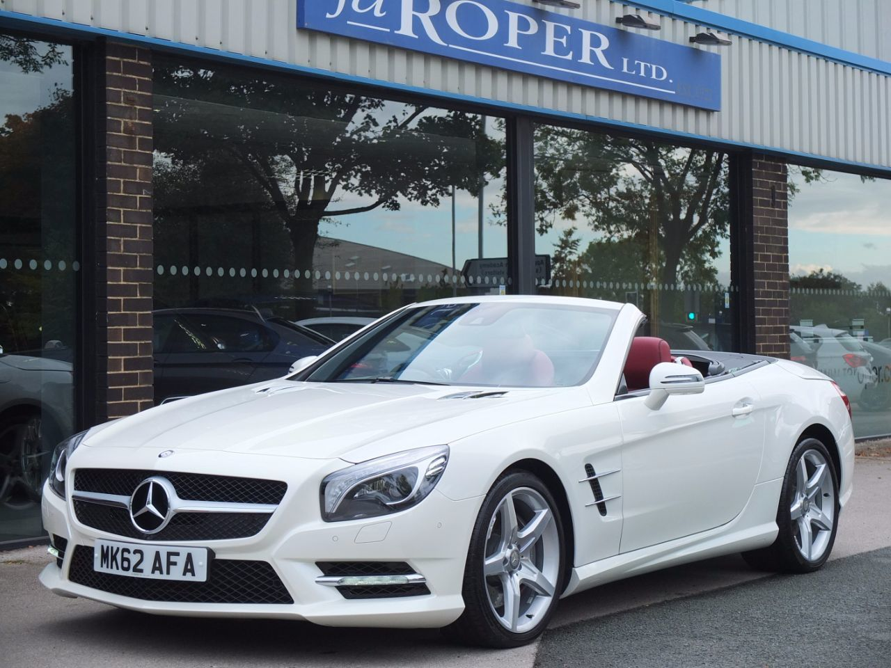 Mercedes-Benz SL Class 3.5 SL 350 AMG Sport Auto Convertible Petrol Diamond White MetallicMercedes-Benz SL Class 3.5 SL 350 AMG Sport Auto Convertible Petrol Diamond White Metallic at fa Roper Ltd Bradford