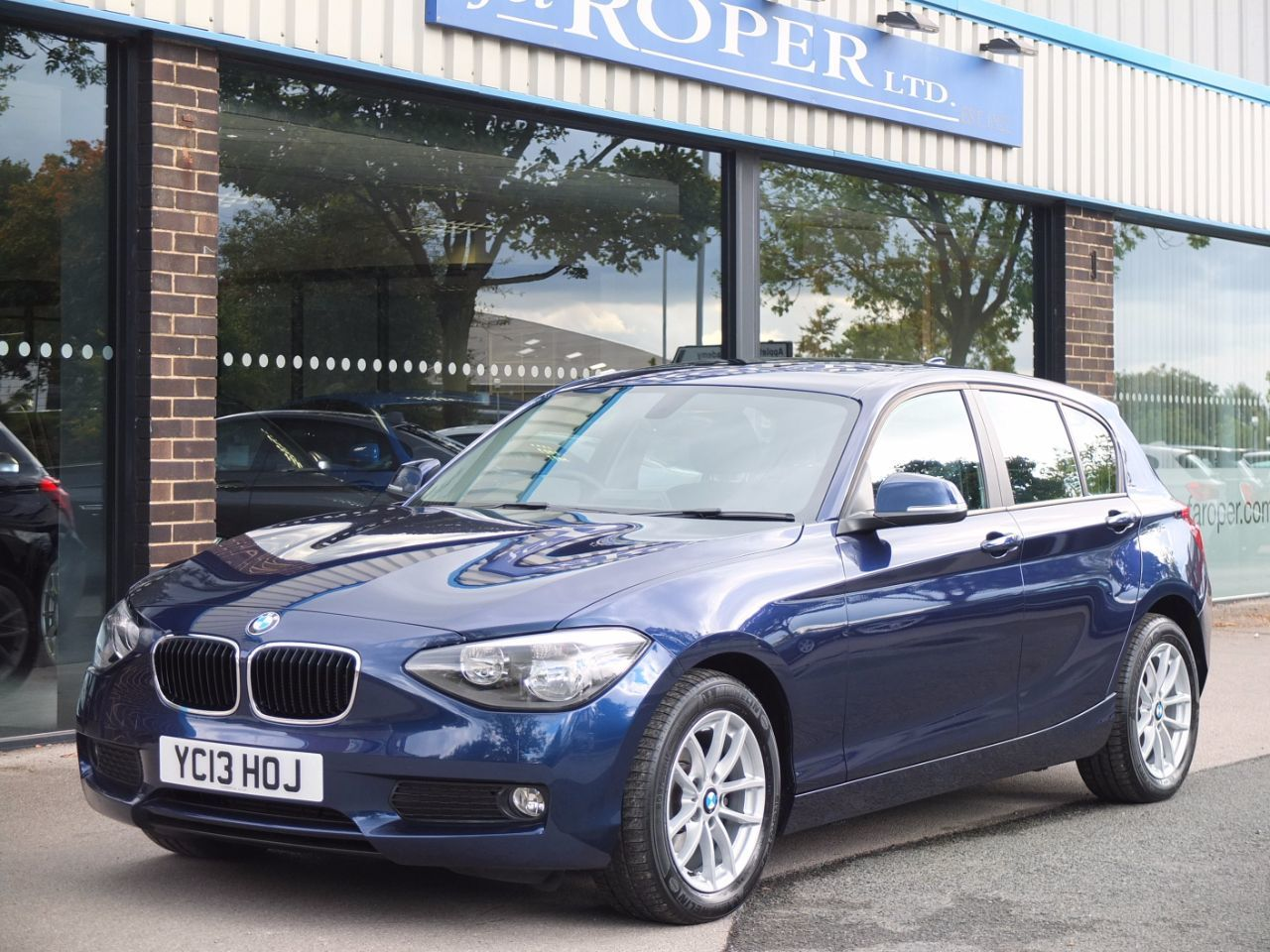 second hand bmw 1 series sports hatch 116i se 5 door automatic for sale in bradford west. Black Bedroom Furniture Sets. Home Design Ideas