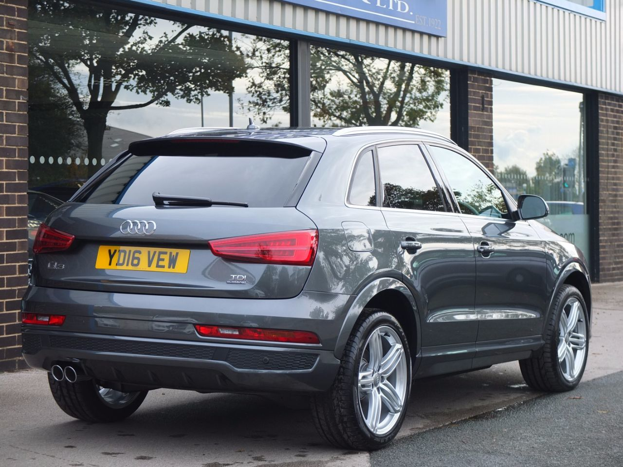 Second Hand Audi Q3 2 0 Tdi Quattro S Line Plus S Tronic 150ps For Sale In Bradford West