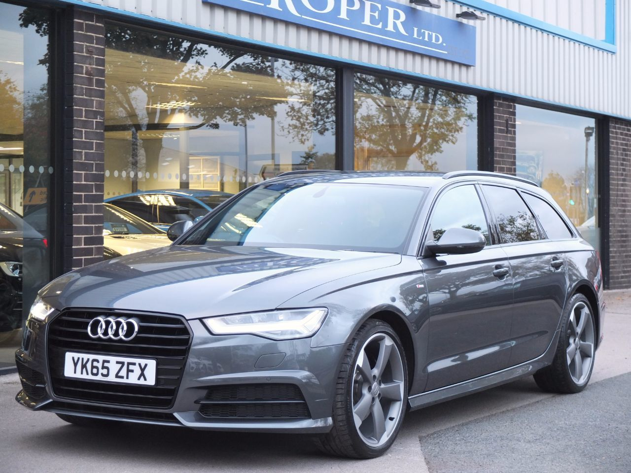 Audi A6 Avant 2.0 TDI Ultra Black Edition S tronic 190ps Estate Diesel Daytona Grey MetallicAudi A6 Avant 2.0 TDI Ultra Black Edition S tronic 190ps Estate Diesel Daytona Grey Metallic at fa Roper Ltd Bradford