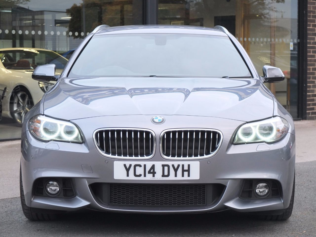 second hand bmw 5 series 520d m sport touring auto for. Black Bedroom Furniture Sets. Home Design Ideas