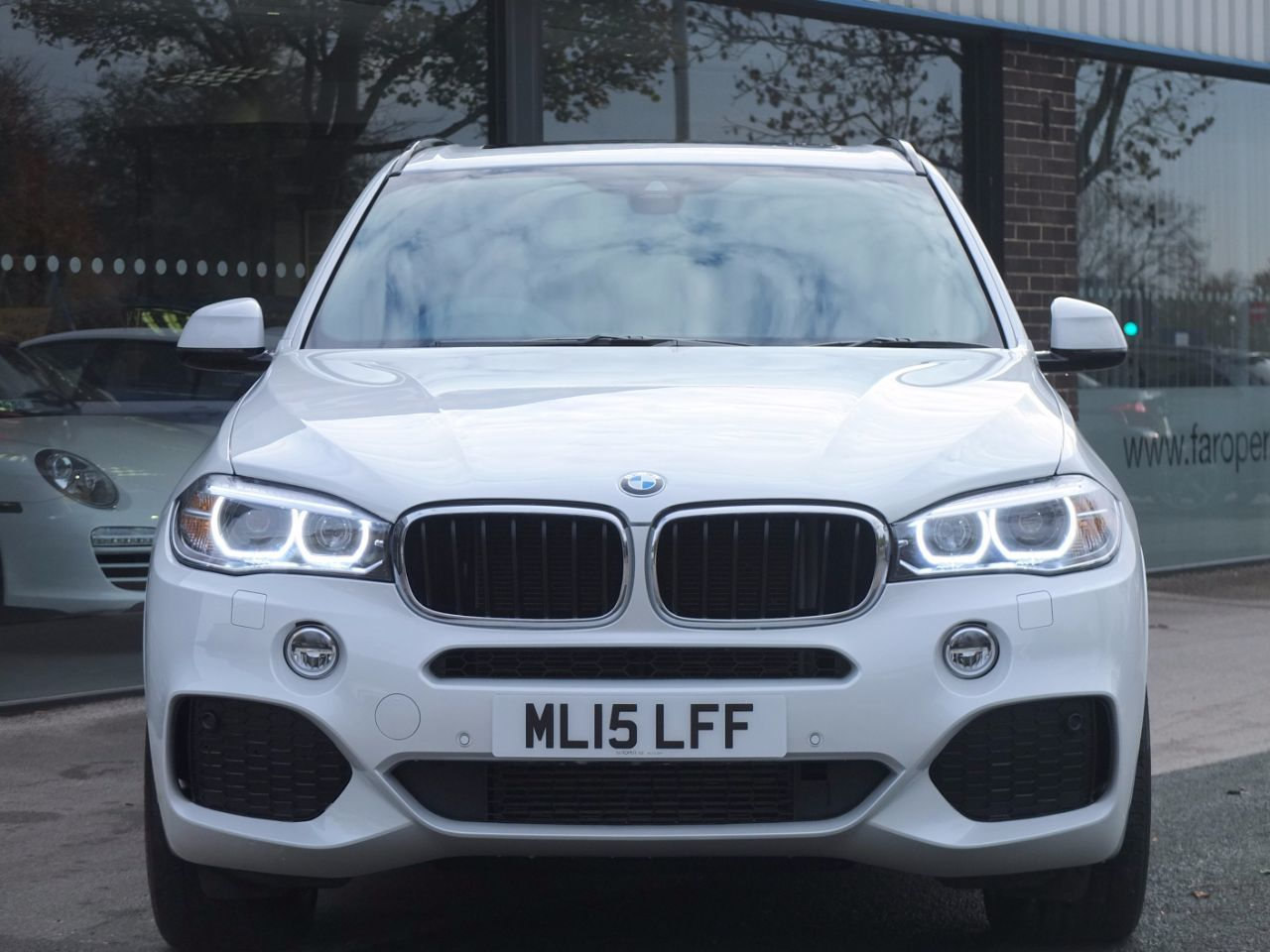 BMW X5 3.0 xDrive30d M Sport Auto Estate Diesel Mineral White Metallic