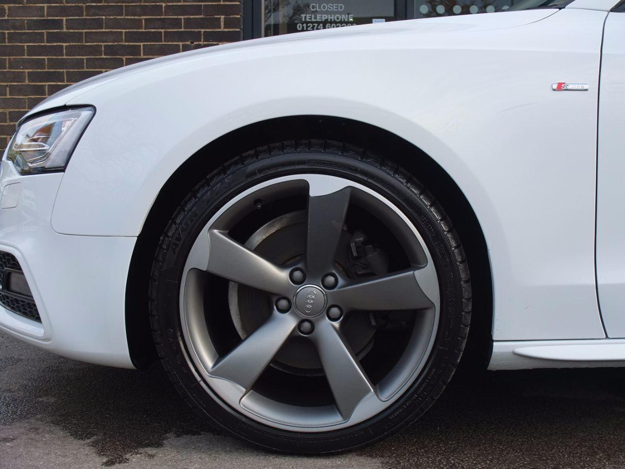 Audi A5 Coupe 2.0 TDI 177 Black Edition Multitronic Coupe Diesel Ibis White