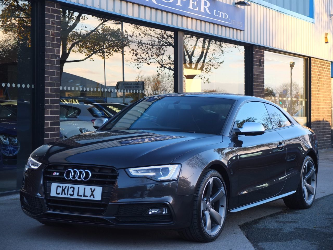 Audi A5 3.0 S5 Coupe quattro Black Edition S Tronic 333ps Coupe Petrol Lava Grey MetallicAudi A5 3.0 S5 Coupe quattro Black Edition S Tronic 333ps Coupe Petrol Lava Grey Metallic at fa Roper Ltd Bradford