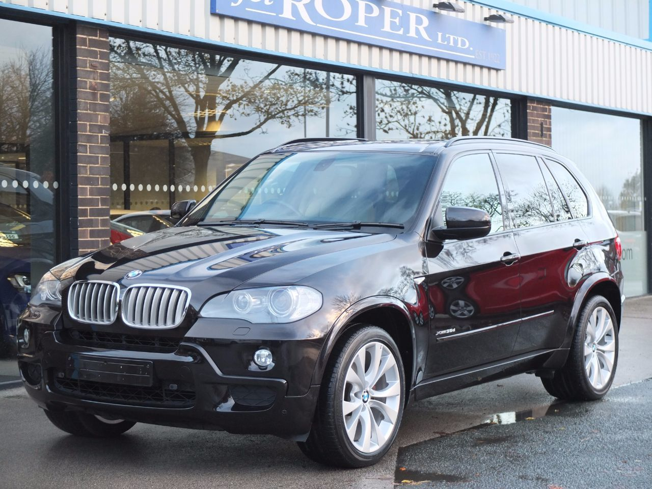 BMW X5 3.0 xDrive35d M Sport Auto Estate Diesel Ruby Black MetallicBMW X5 3.0 xDrive35d M Sport Auto Estate Diesel Ruby Black Metallic at fa Roper Ltd Bradford