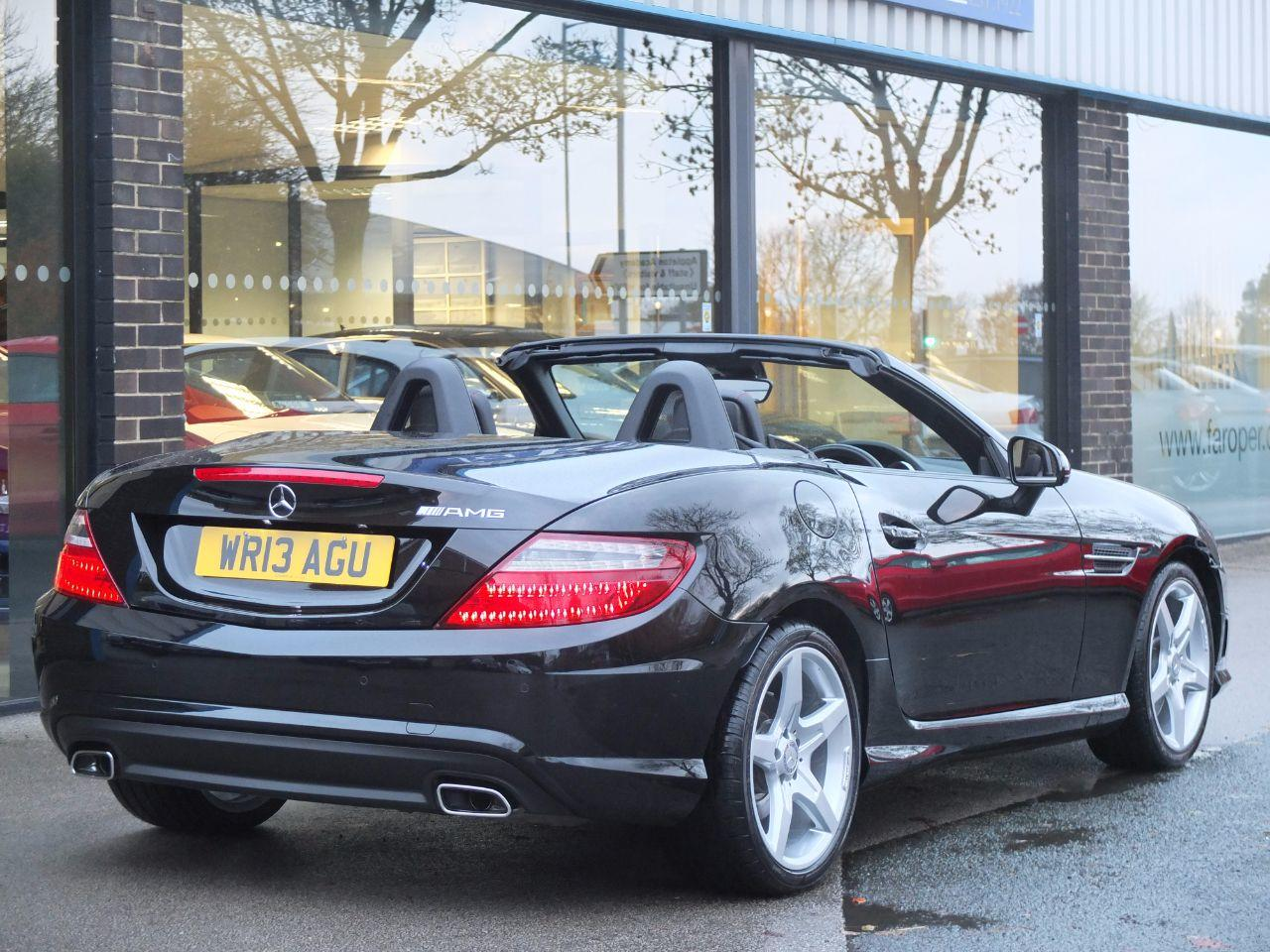 Mercedes-Benz SLK 2.1 250 CDI BlueEFFICIENCY AMG Sport Auto (Navigation,Airscarf,Pan Roof) Convertible Diesel Obsidian Black