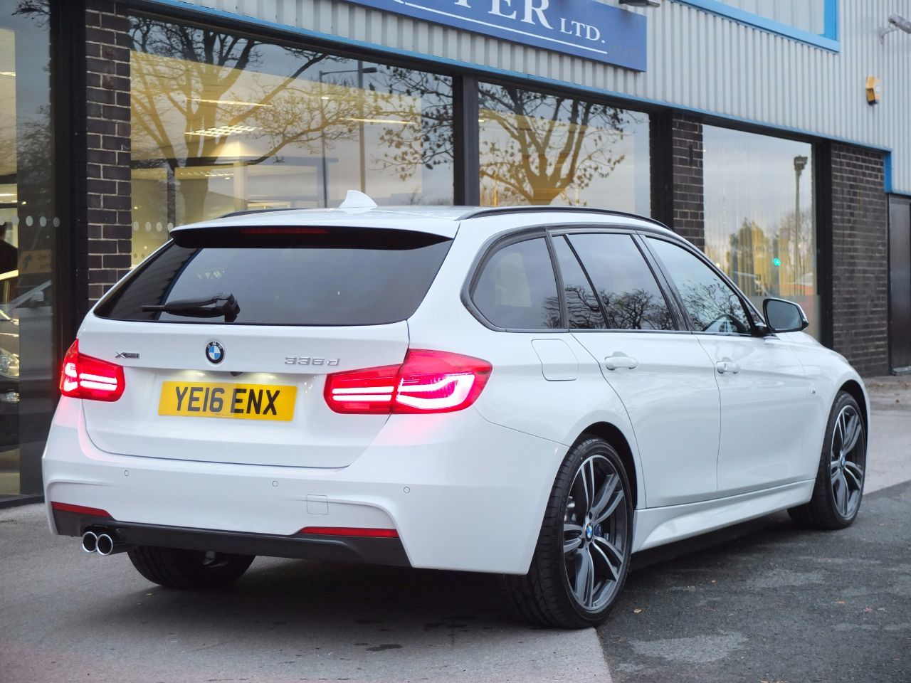 bmw 3 series touring estate used in meet