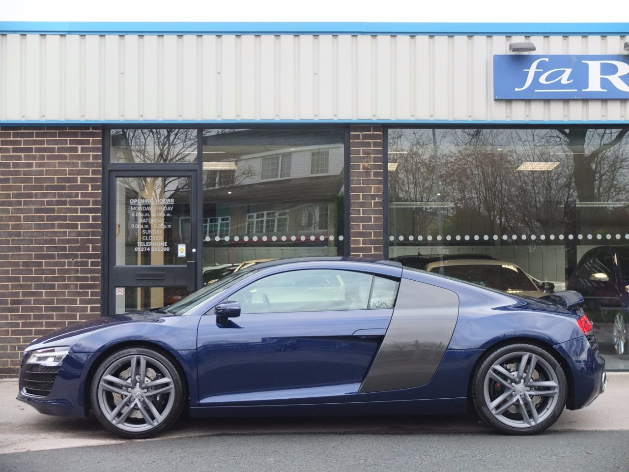 Audi R8 4.2 FSI V8 quattro S-Tronic 430ps Coupe Petrol Estoril Blue Metallic