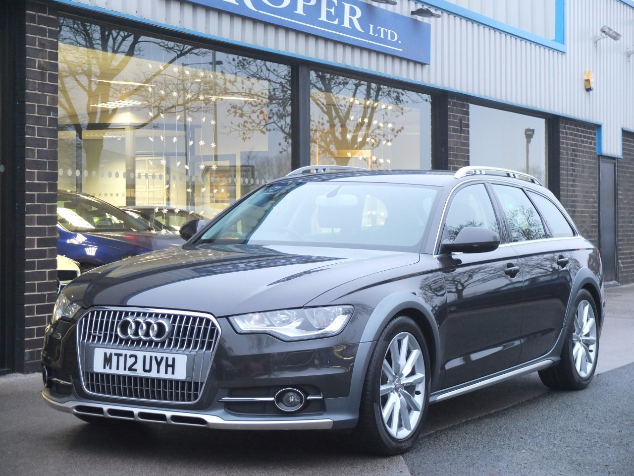 Audi A6 Allroad 3.0 TDI quattro 204ps S Tronic Estate Diesel Oolong Grey MetallicAudi A6 Allroad 3.0 TDI quattro 204ps S Tronic Estate Diesel Oolong Grey Metallic at fa Roper Ltd Bradford