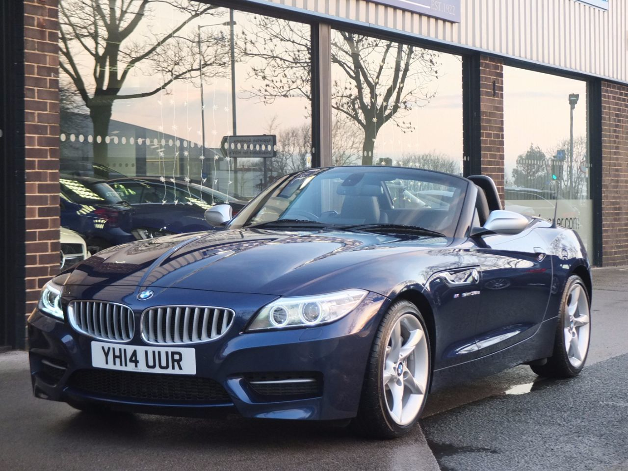 BMW Z4 3.0 35is sDrive DCT 340ps Convertible Petrol Deep Sea Blue MetallicBMW Z4 3.0 35is sDrive DCT 340ps Convertible Petrol Deep Sea Blue Metallic at fa Roper Ltd Bradford