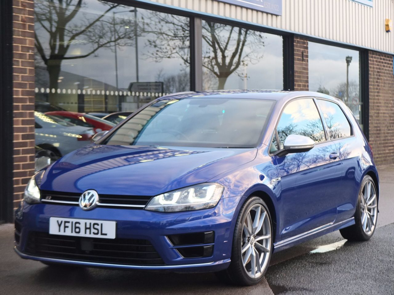 Volkswagen Golf 2.0 TSI R 3 door Manual 6 Speed Hatchback Petrol Lapiz Blue MetallicVolkswagen Golf 2.0 TSI R 3 door Manual 6 Speed Hatchback Petrol Lapiz Blue Metallic at fa Roper Ltd Bradford