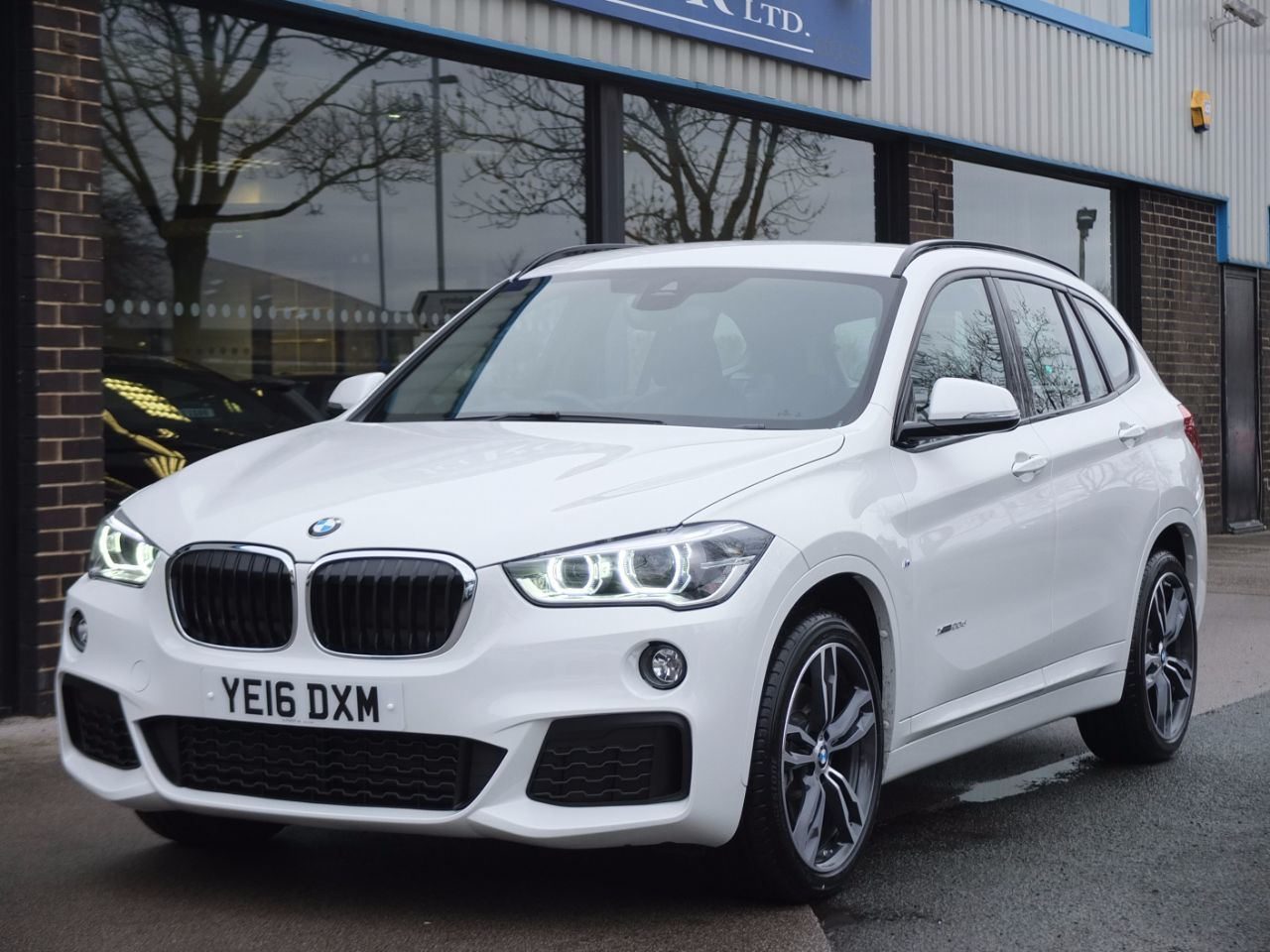 BMW X1 2.0 xDrive 20d M Sport Auto Estate Diesel Alpine WhiteBMW X1 2.0 xDrive 20d M Sport Auto Estate Diesel Alpine White at fa Roper Ltd Bradford