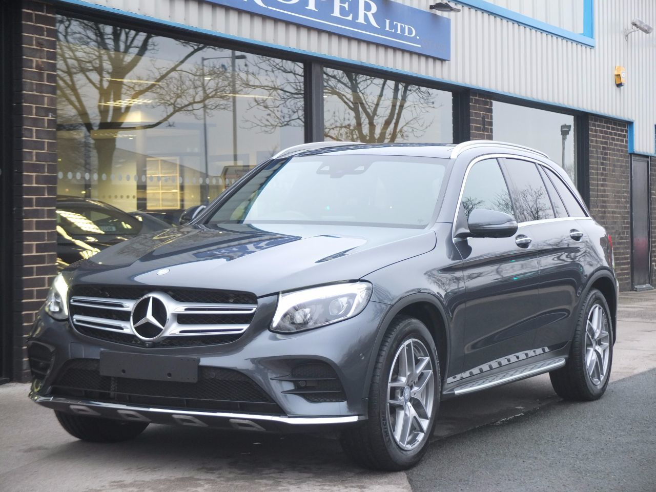 used mercedes benz glc glc 250d 4matic amg line premium 9g tronic for sale in bradford west. Black Bedroom Furniture Sets. Home Design Ideas