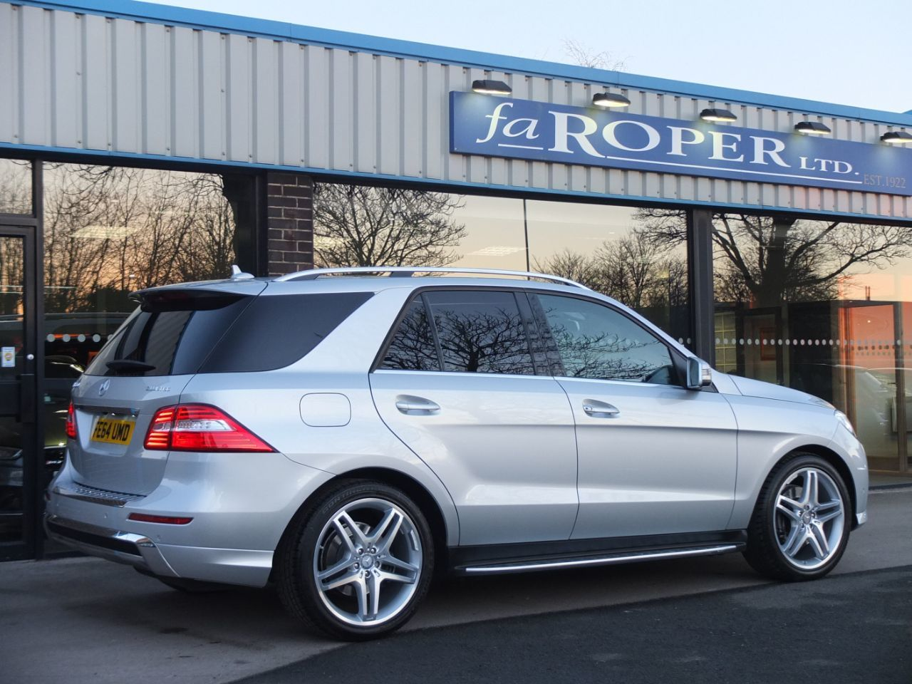 Mercedes-Benz M Class 3.0 ML350 CDi BlueTEC AMG Line Auto [Premium] Estate Diesel Iridium Silver Metallic