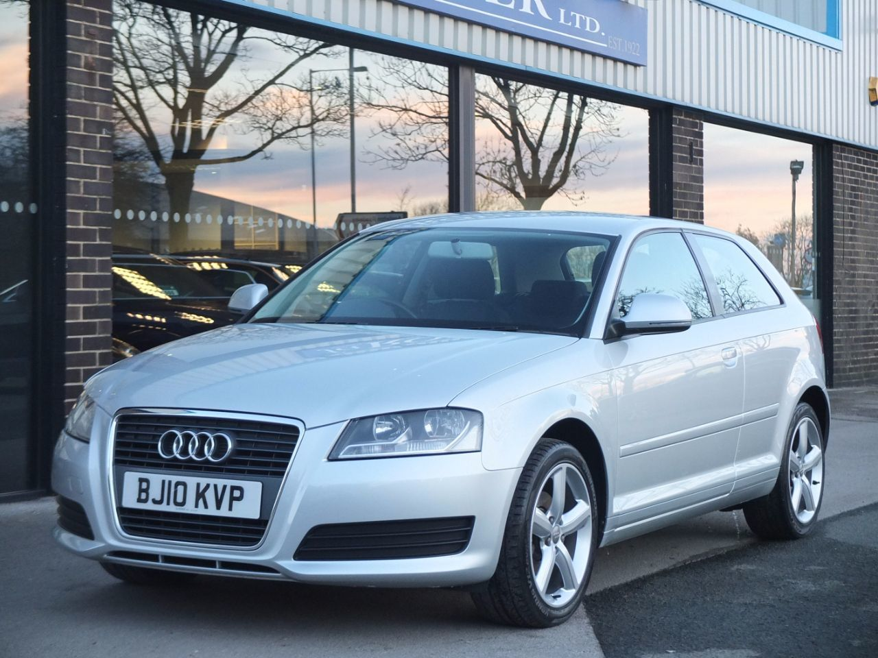 Audi A3 1.6 Technik 3 door Hatchback Petrol Ice Silver MetallicAudi A3 1.6 Technik 3 door Hatchback Petrol Ice Silver Metallic at fa Roper Ltd Bradford