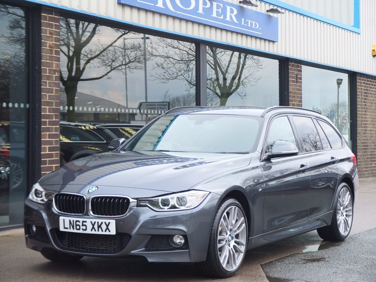 BMW 3 Series 3.0 335d xDrive M Sport Touring Auto Estate Diesel Mineral Grey MetallicBMW 3 Series 3.0 335d xDrive M Sport Touring Auto Estate Diesel Mineral Grey Metallic at fa Roper Ltd Bradford