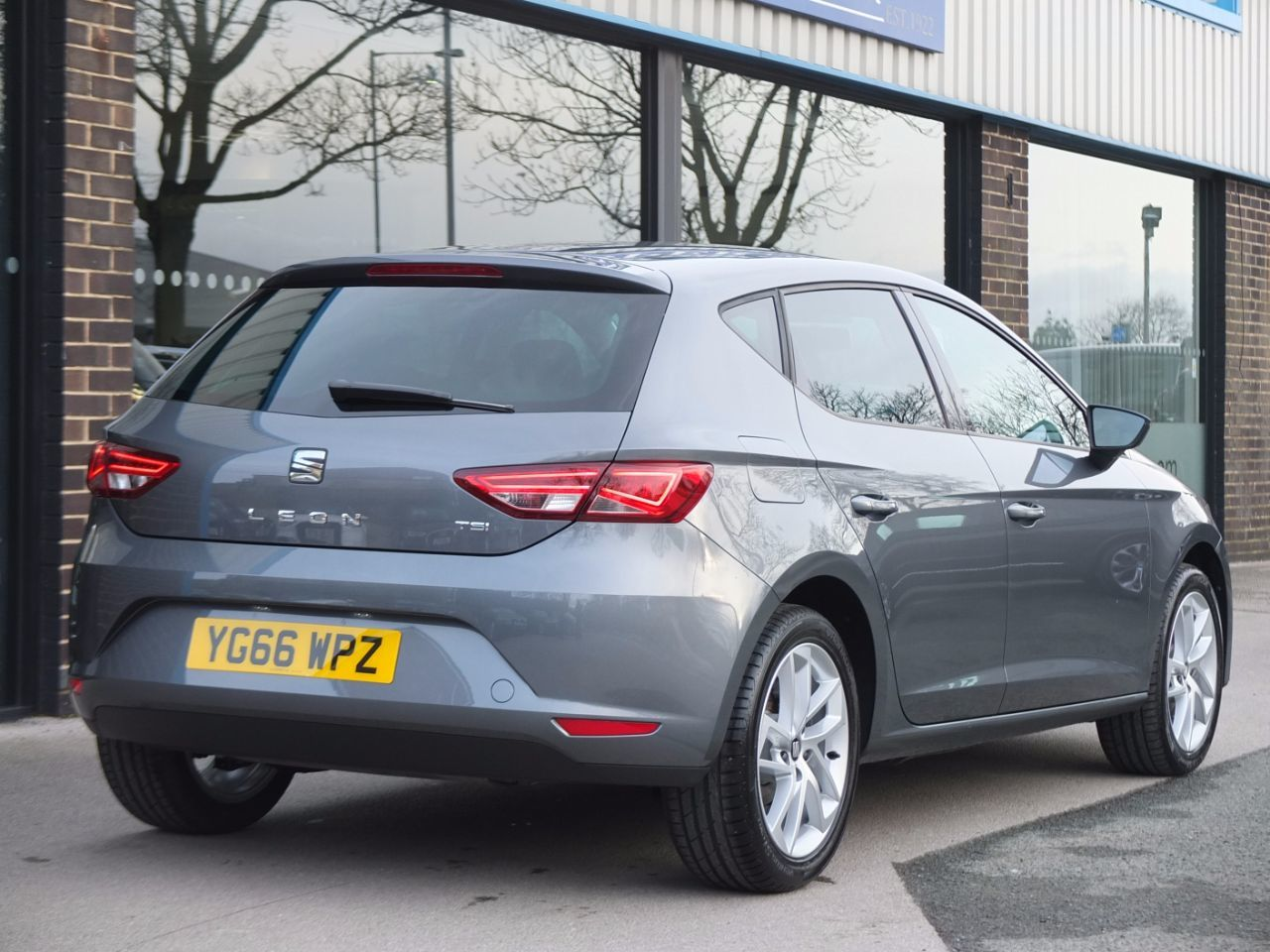 Seat Leon 1.2 TSI SE Dynamic Technology 5dr Hatchback Petrol Monsoon Grey Metallic