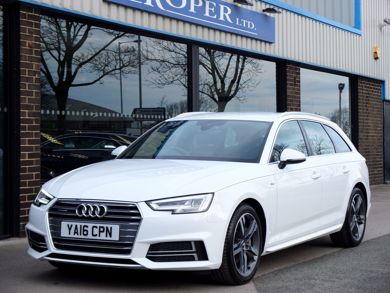 used audi a4 avant 2 0 tdi quattro s line s tronic 190ps for sale in bradford west yorkshire. Black Bedroom Furniture Sets. Home Design Ideas