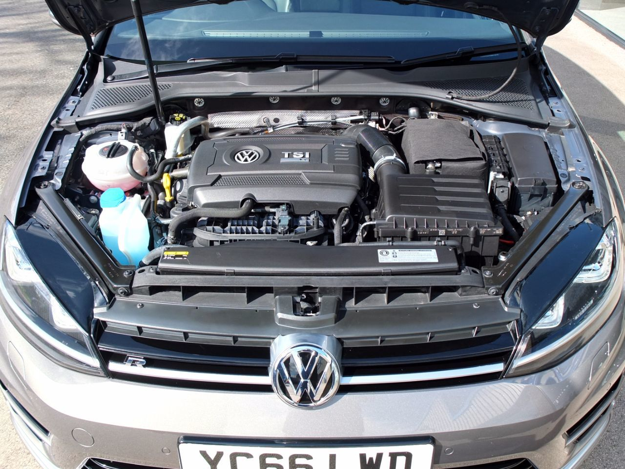 Volkswagen Golf 2.0 TSI R 4MOTION 5 Door DSG 300ps Hatchback Petrol Limestone Grey Metallic