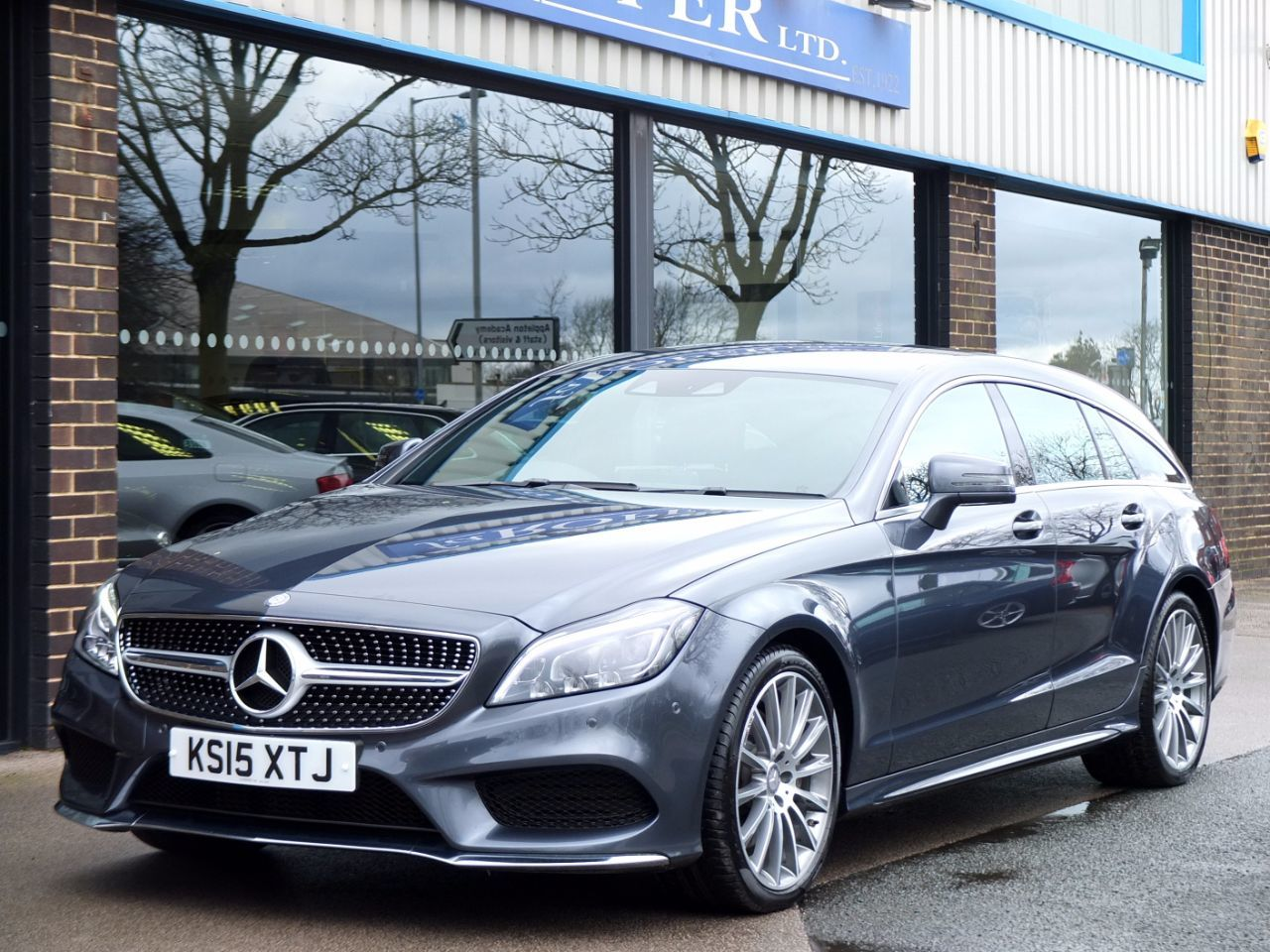 Used Mercedes-Benz CLS CLS 350 BlueTEC AMG Line Shooting