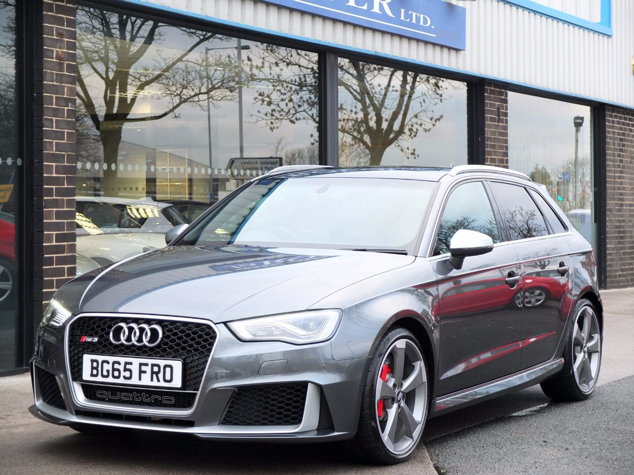 used audi rs3 2 5 tfsi rs 3 quattro s tronic for sale in. Black Bedroom Furniture Sets. Home Design Ideas