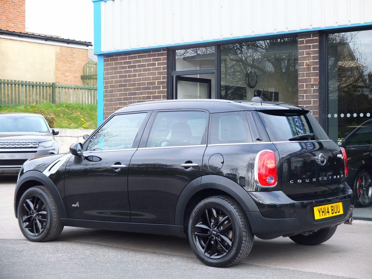 Mini Countryman 2.0 Cooper D ALL4 Auto Hatchback Diesel Absolute Black Metallic