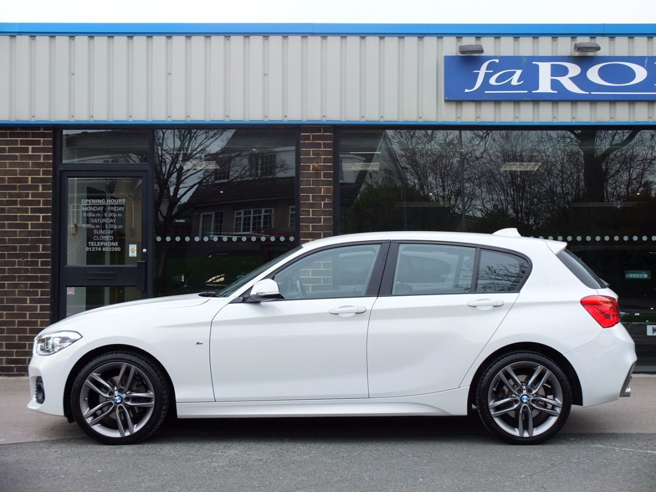 BMW 1 Series 2.0 120d xDrive M Sport 5 door Auto (Leather) 190ps Hatchback Diesel Alpine White
