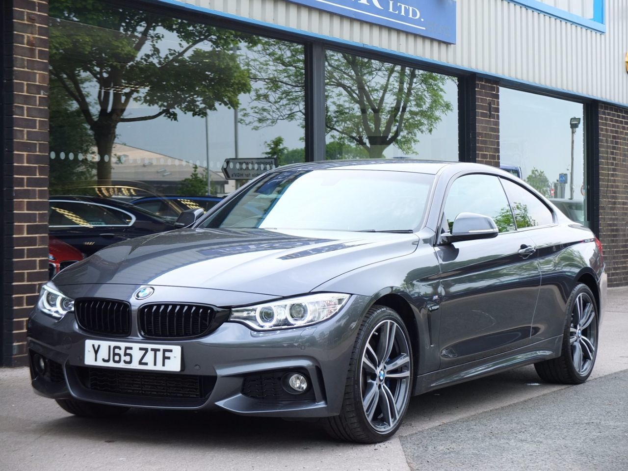 BMW 4 Series 3.0 435d xDrive M Sport Plus Coupe Auto Coupe Diesel Mineral Grey MetallicBMW 4 Series 3.0 435d xDrive M Sport Plus Coupe Auto Coupe Diesel Mineral Grey Metallic at fa Roper Ltd Bradford