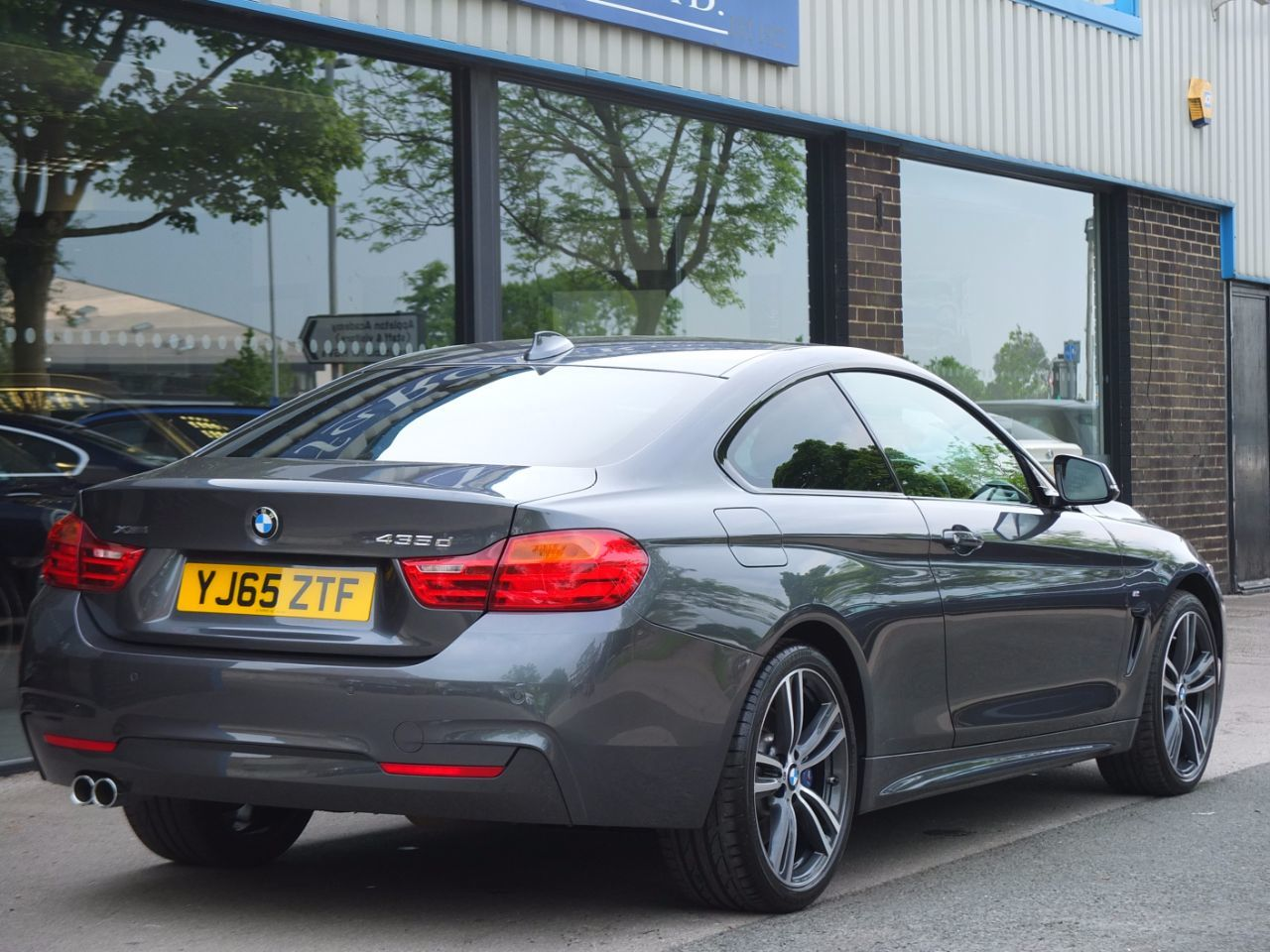 BMW 4 Series 3.0 435d xDrive M Sport Plus Coupe Auto Coupe Diesel Mineral Grey Metallic