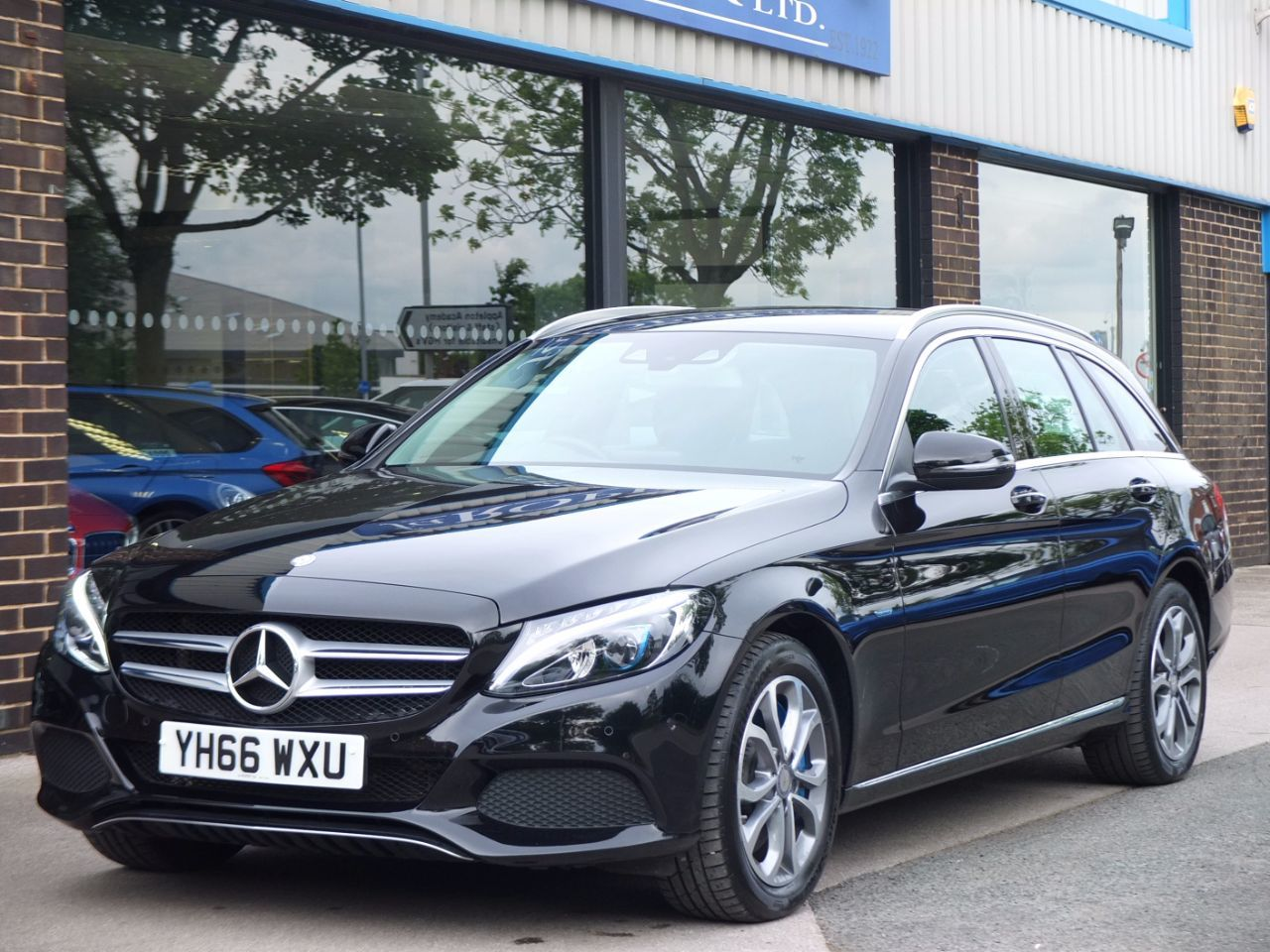 Mercedes-Benz C Class 2.0 Estate C350e Sport Auto (PHEV Plug-in Hybrid) Estate Hybrid Obsidian Black MetallicMercedes-Benz C Class 2.0 Estate C350e Sport Auto (PHEV Plug-in Hybrid) Estate Hybrid Obsidian Black Metallic at fa Roper Ltd Bradford