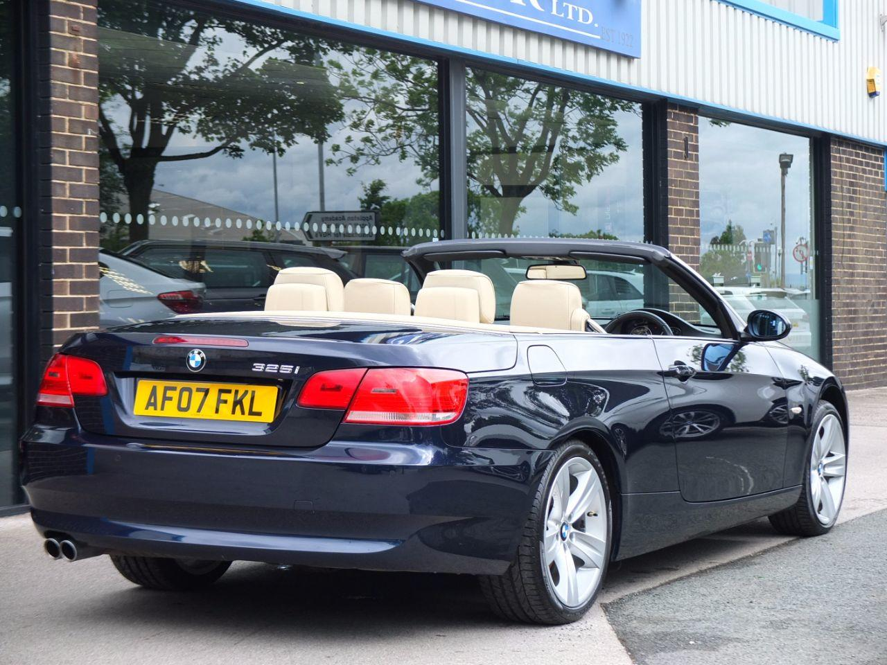 BMW 3 Series 325i SE Convertible 3.0 Convertible Petrol Blue