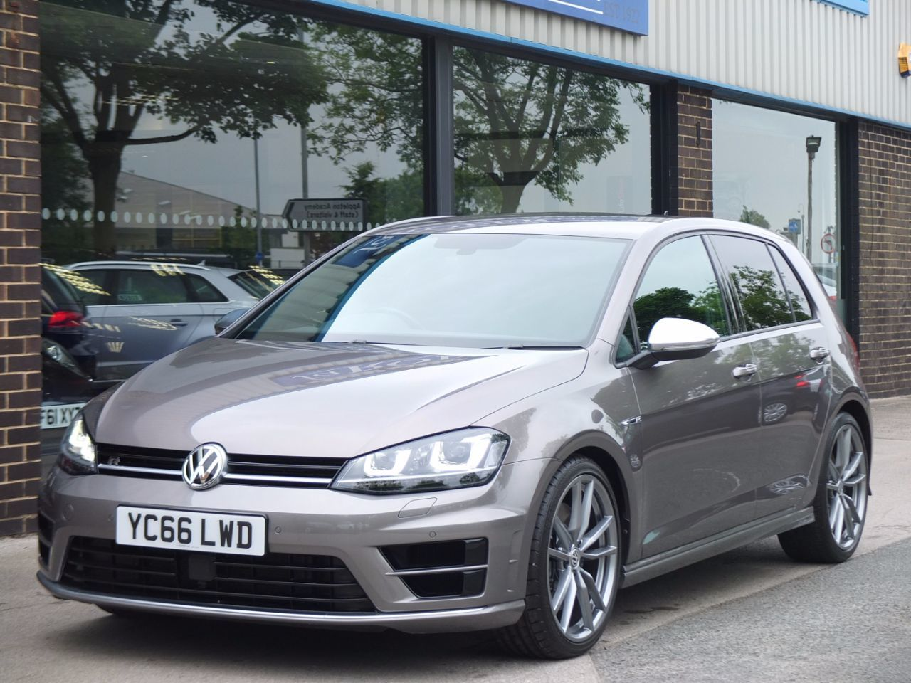 Volkswagen Golf 2.0 TSI R 4MOTION 5 Door DSG 300ps Hatchback Petrol Limestone Grey MetallicVolkswagen Golf 2.0 TSI R 4MOTION 5 Door DSG 300ps Hatchback Petrol Limestone Grey Metallic at fa Roper Ltd Bradford