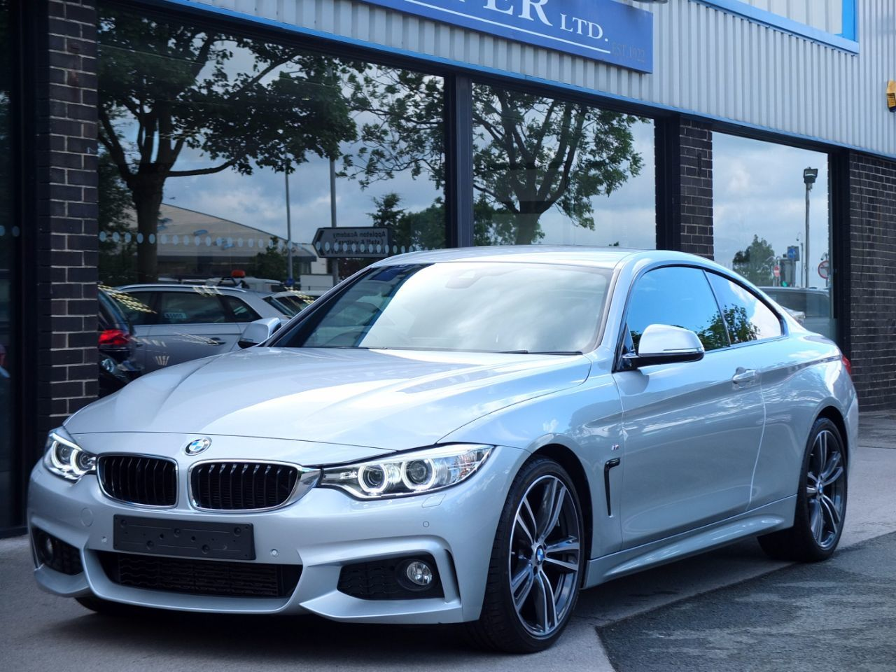 BMW 4 Series 3.0 430d M Sport Design Pack Auto Coupe Diesel Glacier Silver MetallicBMW 4 Series 3.0 430d M Sport Design Pack Auto Coupe Diesel Glacier Silver Metallic at fa Roper Ltd Bradford