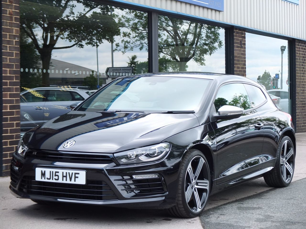 Volkswagen Scirocco 2.0 TSI 280ps BlueMotion Tech R DSG Coupe Petrol Deep Black MetallicVolkswagen Scirocco 2.0 TSI 280ps BlueMotion Tech R DSG Coupe Petrol Deep Black Metallic at fa Roper Ltd Bradford