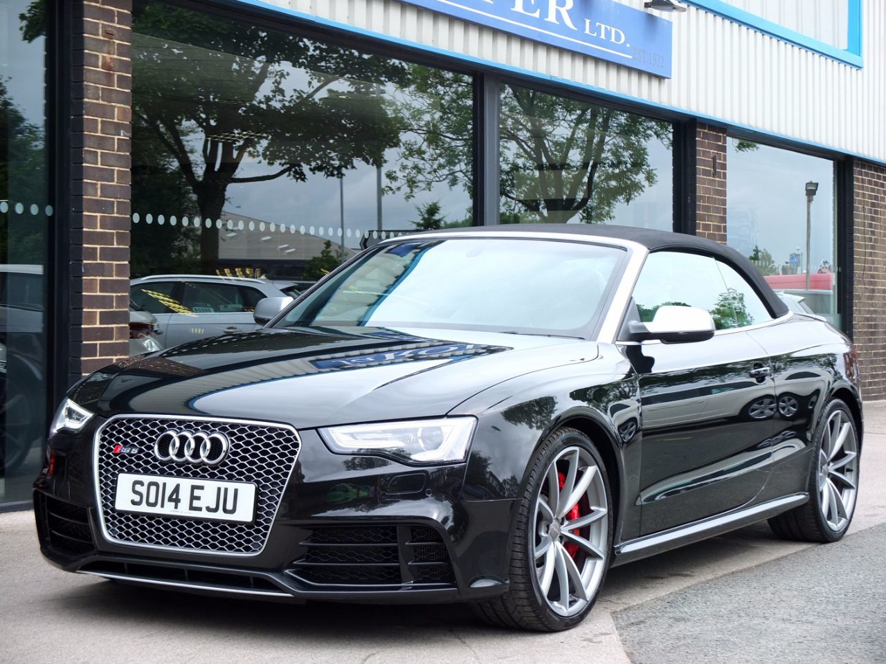 Audi RS5 Cabriolet 4.2 FSI Quattro S Tronic Convertible Petrol Panther  Black CrystalAudi RS5 Cabriolet 4.2