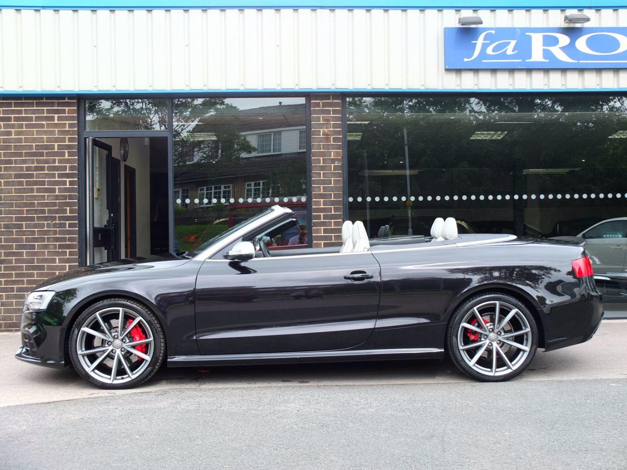 Audi RS5 Cabriolet 4.2 FSI quattro S tronic Convertible Petrol Panther Black Crystal